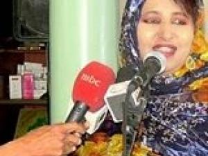 فنانة موريتانية تلوح بكشف أسرار خطيرة عن شركة